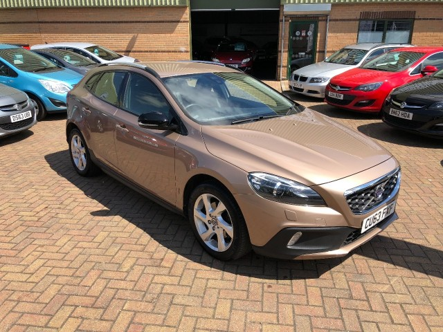 Volvo V40 1.6 D2 Cross Country Lux Hatchback