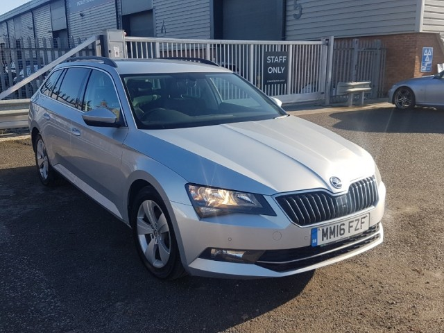 Skoda Superb 1.6 SE Business TDi Estate